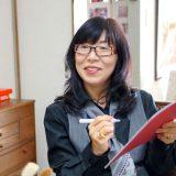 小河原智子さん(似顔絵作家)「相手を感じてフラットに描く」インタビュー