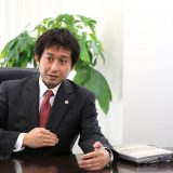 谷原誠さん(弁護士)「シェアが世の中の豊かさを生む」インタビュー
